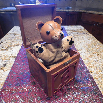 Bear in the Box - Plays My Favorite Thing