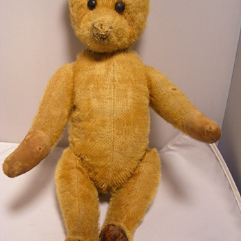 HELP would like to find out maker of yes no bear with leather feet