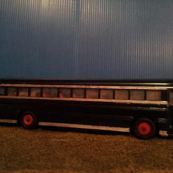 Dinky Toys 949 School Bus Non Original Repaint - Model Cars