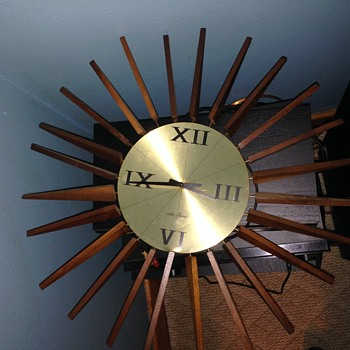 Seth Thomas Sun Burst Wall Clock - Clocks