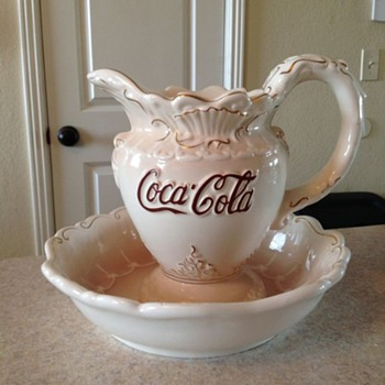 1998 coca cola wash basin and pitcher