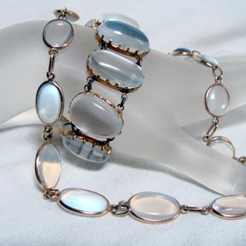 More moonstones    - Fine Jewelry