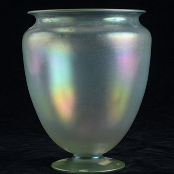 STEUBEN VERRE DE SOIE VASE - Art Glass