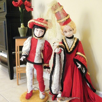 Christmas Window Display Dolls