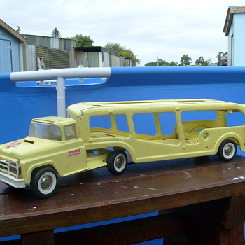 VINTAGE BUDDY L CAR TRANSPORTER - Model Cars