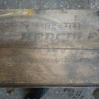 Hercules powder box
