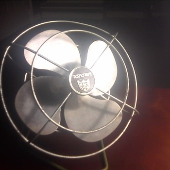 "Vintage 8"" electric fan"