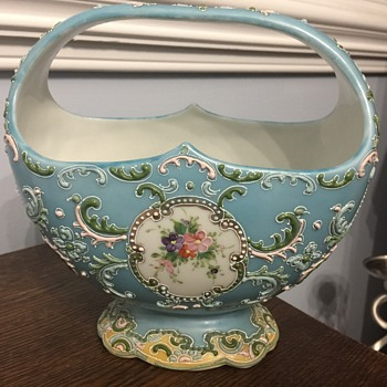 Pretty basket - Pottery