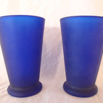 UMBRA Cobalt Blue Drinking Glasses Tumblers - Age?