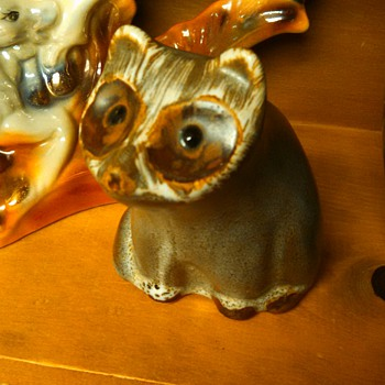 "Pigeon Forge Tennessee Pottery- Douglas Ferguson 6""Racoon"