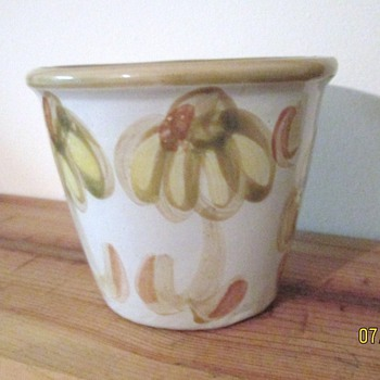 Louisville Stoneware Unknown Pattern - Art Pottery