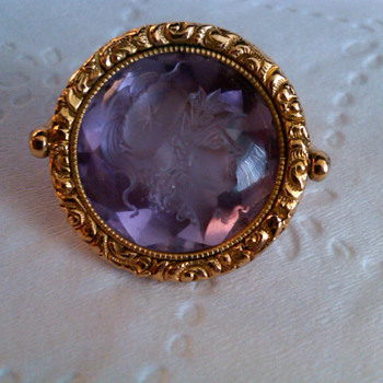 18k gold fob w/ amethyst stone