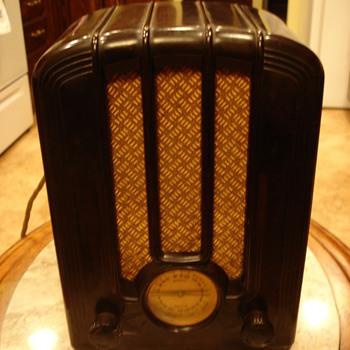 Emerson Radio  - Radios