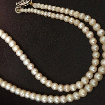 Natural (not cultured) pearl necklace