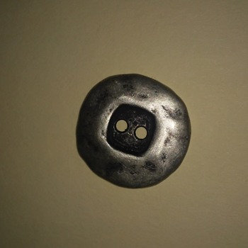 Metal button - Sewing