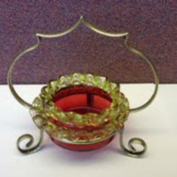 cranberry salt - Art Glass