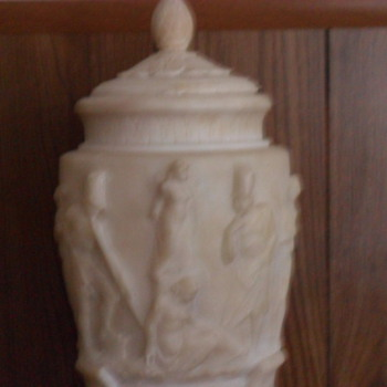 Vase/Urn