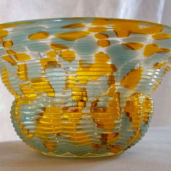 A New Welz Shape - A Basket Without a Handle and a Glassblowing Putti!! - Art Glass