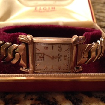 Vintage Elgin De Luxe 10k Gold Filled Ladies Watch - Wristwatches