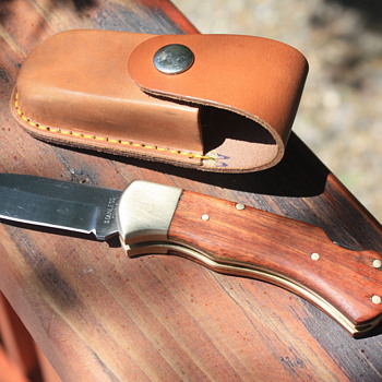 CHINA-Made HEAVY DUTY MID-SIZE LOCKBACK FOLDING KNIFE With MATCHING LEATHER SHEATH  - Tools and Hardware