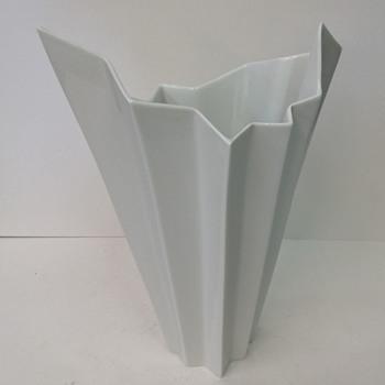 RARE White OP Art Vase HUTSCHENREUTHER Fuchs era 1970
