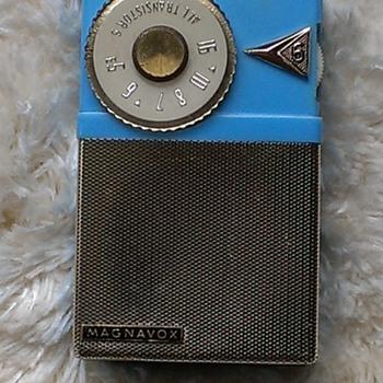 Magnavox AM23 - Radios