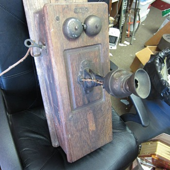 Wall Telephone With a Wilhelm Double Diaphragm Transmitter