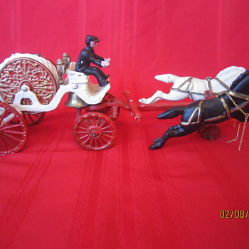 Late 1800's? Antique Cast Iron Horse Drawn Metal Carriage Firetruck Firefighter w/ Coachman
