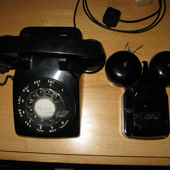 Bell System Western Electric Phone with extension Bell - Telephones