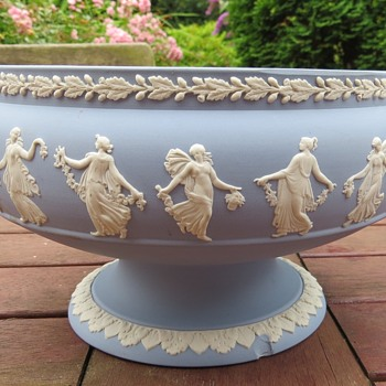 Wedgwood Jasperware Dancing Hours Bowl - Pottery
