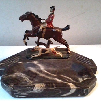 """The Hunt"" Cold Painted Spelter Figure and Black Marble Composite Tray /Austria(?)/Circa 1910 - Tobacciana"