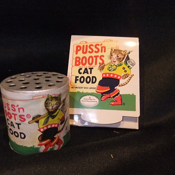 VINTAGE PUSS N BOOTS CAT FOOD PROMO ITEMS