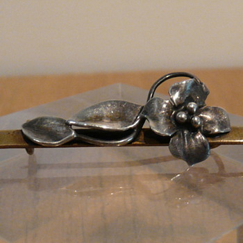 MIXED METALS BROOCH