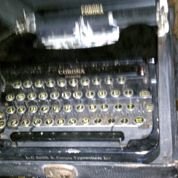 corona typewriter wwII - Office