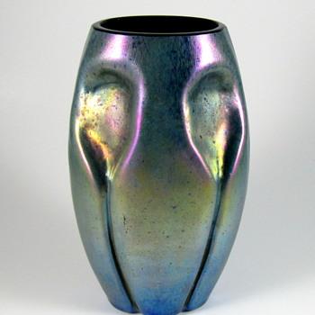 Kralik? Silberiris cobalt ground vase - Art Glass