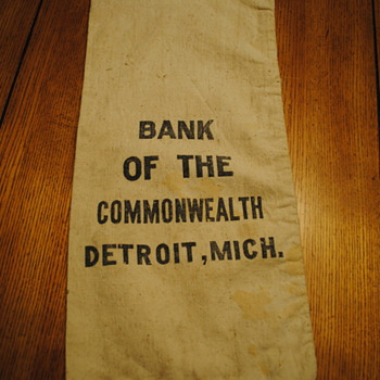 Bank of the Commonwealth Detroit, MI Bag