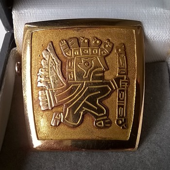 Antique 18K Gold Peruvian Brooch Flea Market Find $6.00