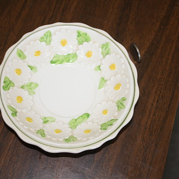 Daisy embossed dish - China and Dinnerware