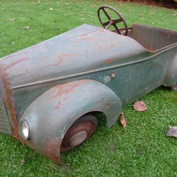 1940s Eureka Delahaye Baby 48 Pedal Car