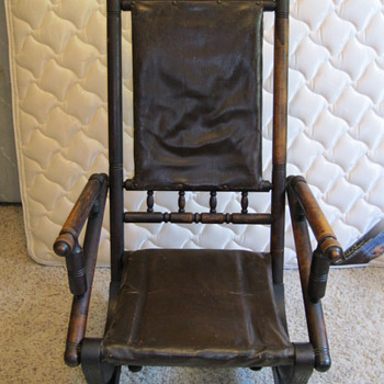 Antique rocking chair from the 1800's. - Furniture