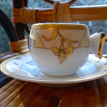 Chinese Tea Set Butterfly Handles - China and Dinnerware