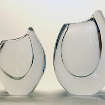 Gunnar Nylund Shark Tooth vases in clear Stromberg crystal - Strombergshyttan 1957-58. - Art Glass