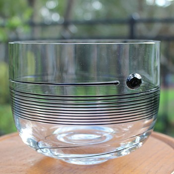 """Spin""by Vallien for Boda 58412 - Art Glass"