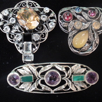Arts & Crafts jewellery by Bernard Instone