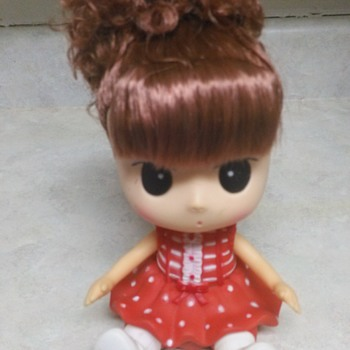 BIG EYED DOLLY BOBBLE HEAD BANK
