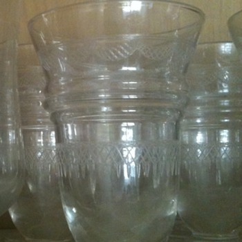 Etched, bellshaped (juice?) glassses - Glassware