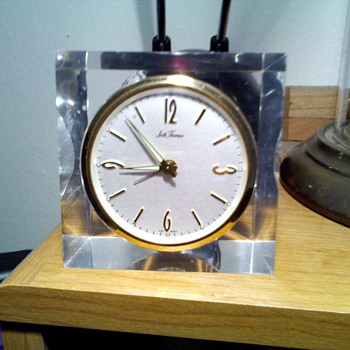 small Seth Thomas acrylic clock,..again! - Clocks