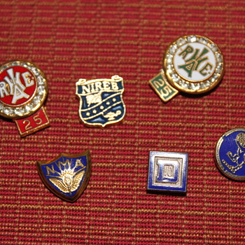 Lapel Pins - Medals Pins and Badges