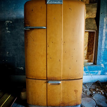 Vintage Kelvinator Refrigerator - Kitchen
