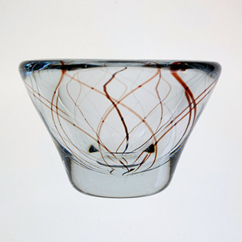 Strombergshyttan bowl 1950s - likely a Gunnar Nylund design. - Art Glass